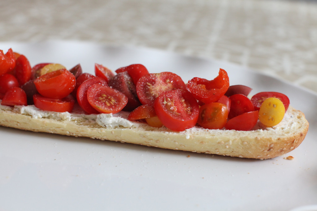 FASHIONABLE-HOSTESS-CROSTINI-APPETIZER-WITH-GOAT-CHEESE-TOMATO-AND-HOT-PEPPERS__