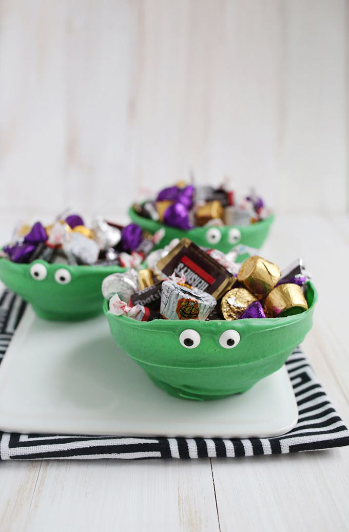 Chocolate-Monster-Bowls