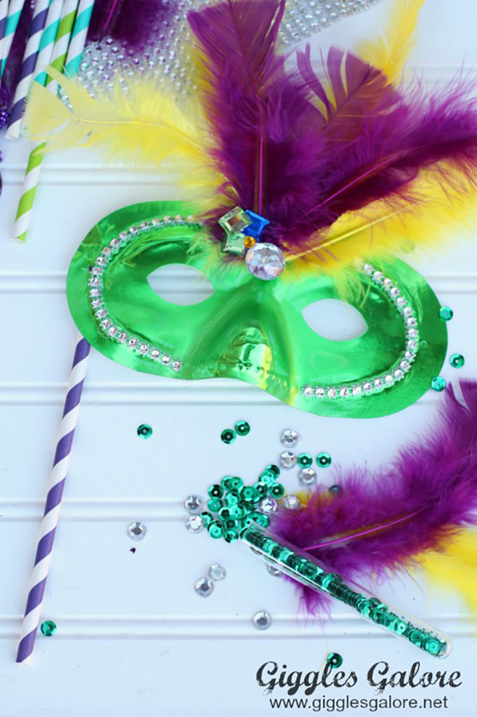Kids-DIY-Mardi-Gras-Mask-