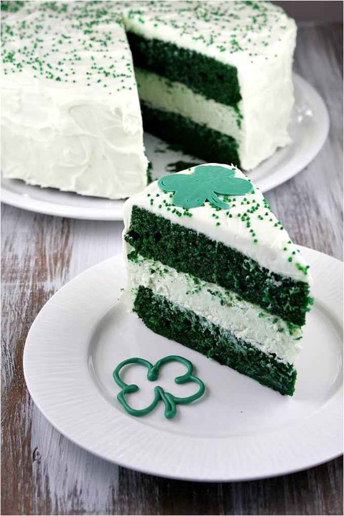 Green-Velvet-Cheesecake