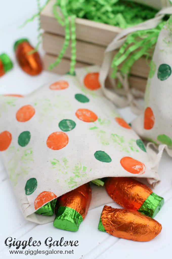 Polka-Dot-Easter-Bags-with-Carrot-Candy