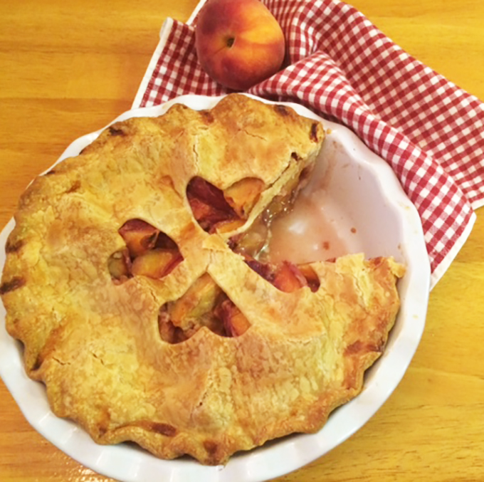 Summer-Peach-Pie-Slice