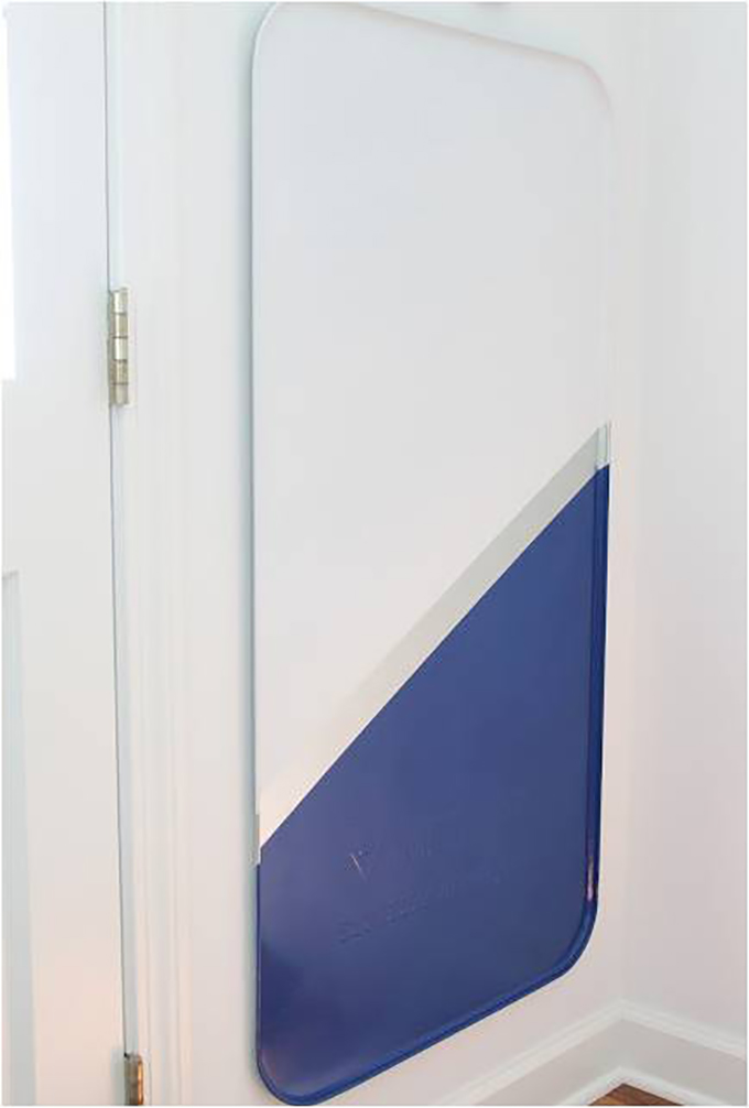 Hanging-Magnetic-Board