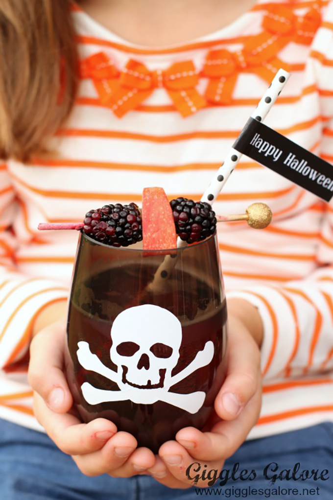 Skull-Cups-with-Poison-Punch