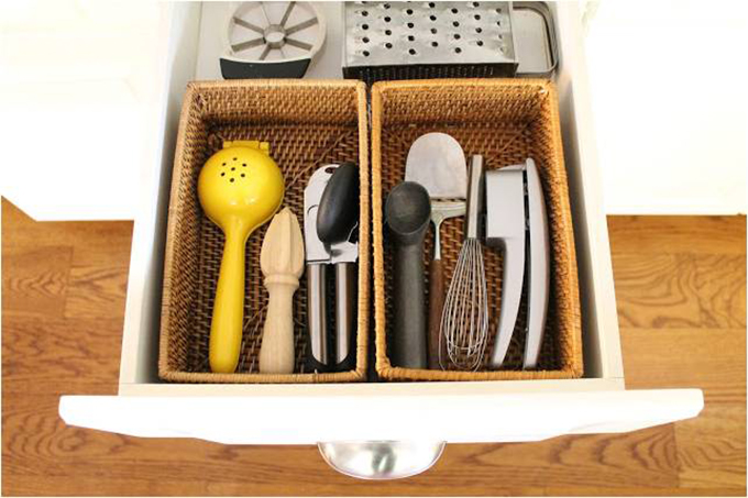 Kitchen-Organization-for-drawers