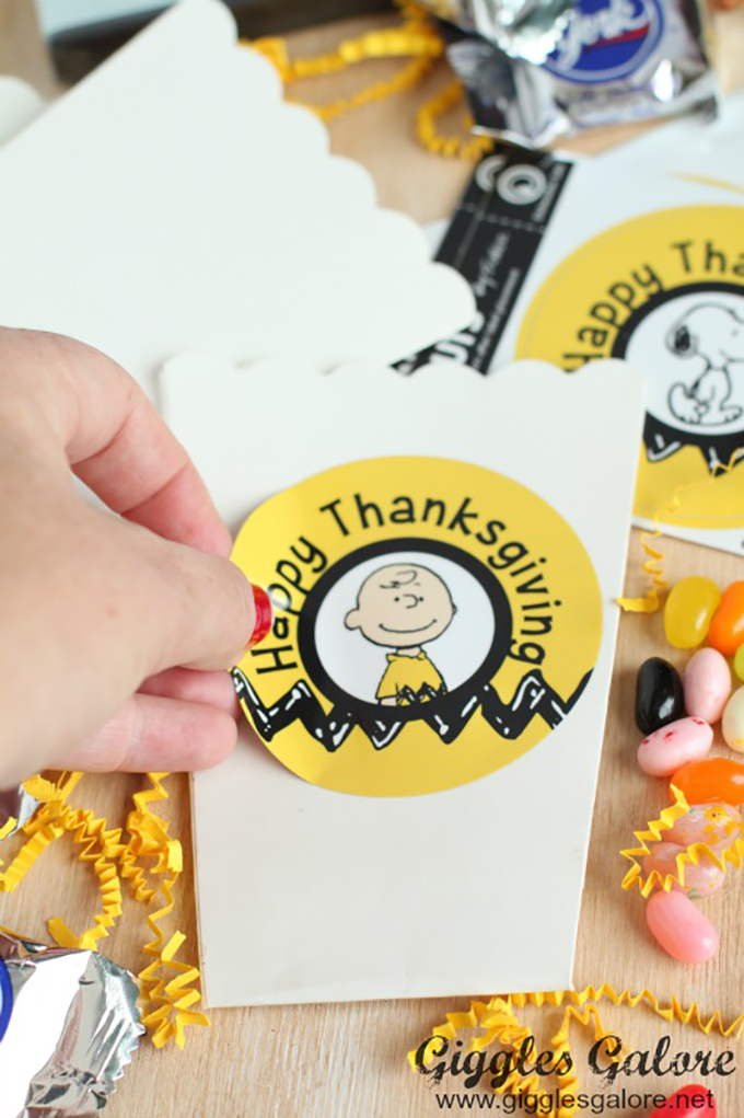 Popcorn-Boxes-with-NameBubble-Thanksgiving-Labels