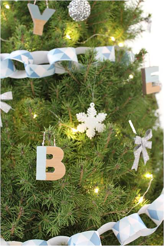 Alphabet-Ornament-Tree