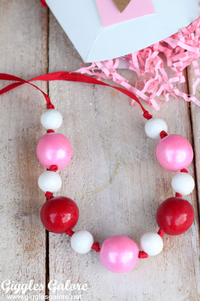 Red-Pink-White-Gumball-Necklace