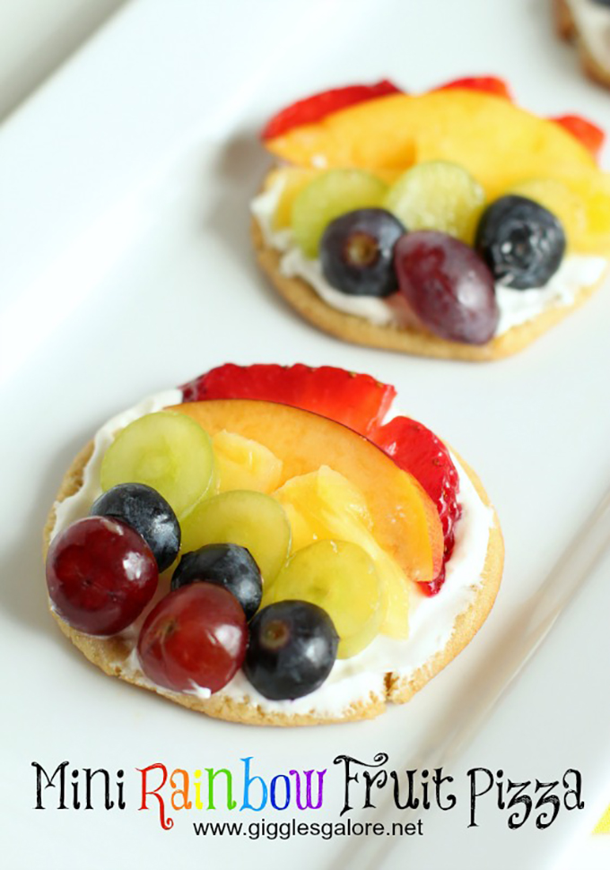 Mini-Rainbow-Fruit-Pizza_Giggles-Galore